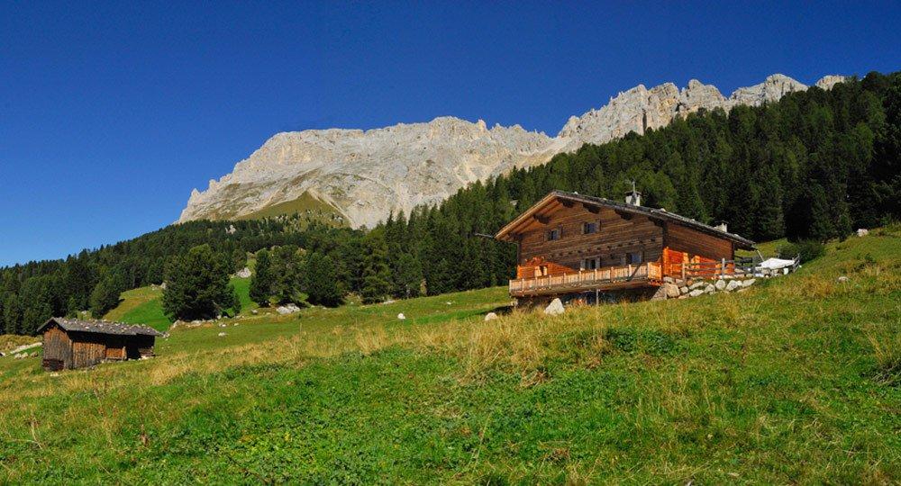 Almurlaub Südtirol – Almhütte Thaleralm in den Dolomiten