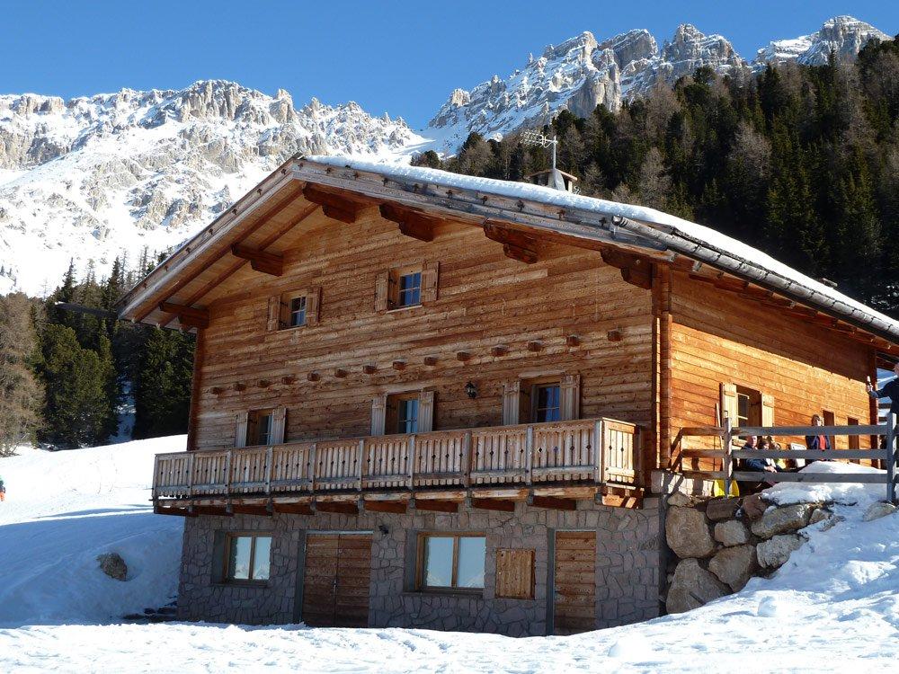 Vacanze alpine in alto adige thaler for Baita di legno
